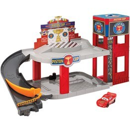 Disney Cars 3, Piston Cup Racing Garage